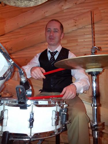 IT Директор АвтоВаза играет на барабанах