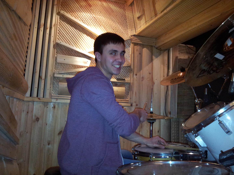 Учим фанковые ритмы. Урок на барабанах в Тольятти