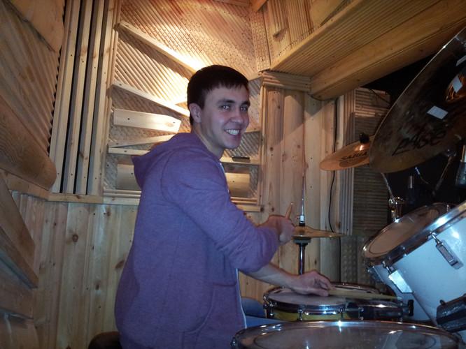 Learning funky rhythms. Drum lesson in Togliatti