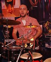 За барабанами Андрей Шонц, барабанщик играющий диско фанк и в других стилях музыки