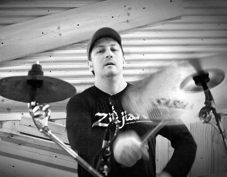 Онлайн курсы ударных в Москве, Дистанционное обучение игре на барабанах по Skype +79608354338 Дмитрий