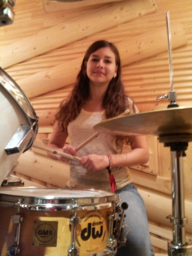 Занятия на барабанах. Школа ударных DDrums Тольятти
