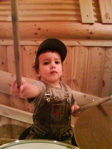 Уроки игры на барабанах для детей и взрослых
