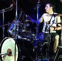 Метал барабанщик Ваня Гончаров. Его конёк мощная игра на двух бочках в духе Дейва Ломбардо.