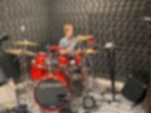 Уроки игры на барабанах по Скайпу. Дистанционное обучение в любой точке Мира. Онлайн школа DDrums/ Преподаватель ударных барабанщик Дмитрий Оруджов
