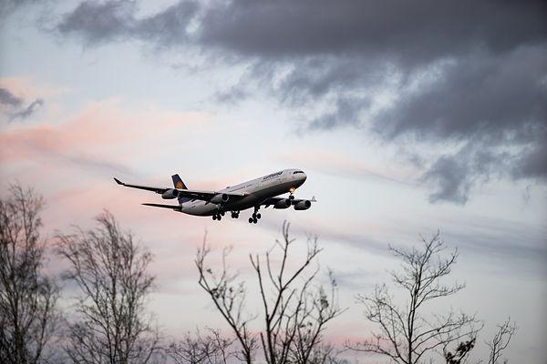 aircraft-4885805.jpg