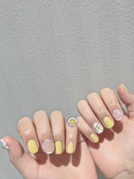 Summer Graduation Nail Design