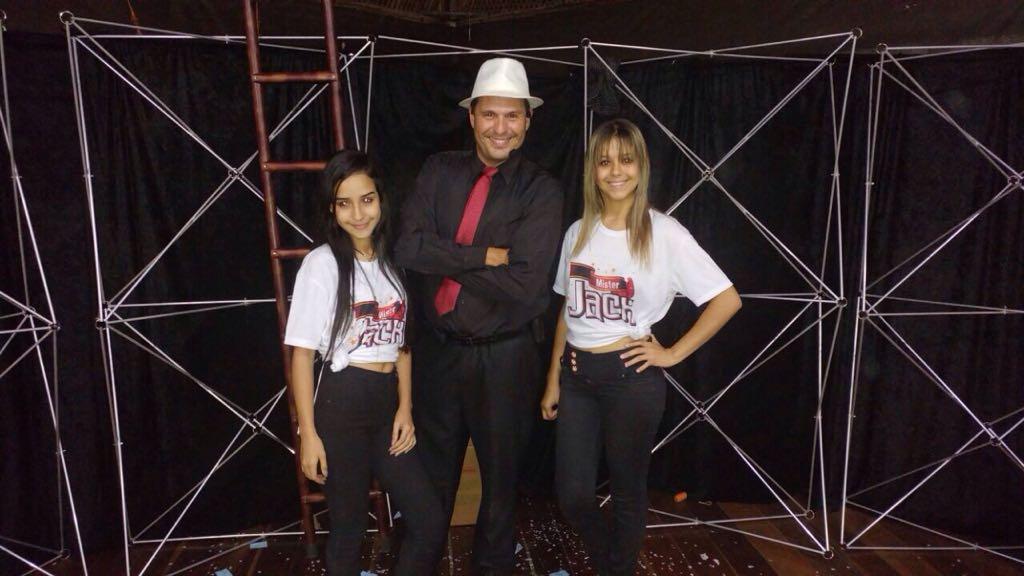 Ana Clara e Tainá (Assistentes)