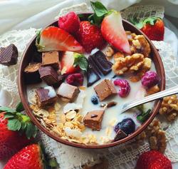 lapte ovaz fructe nuci ciocolata