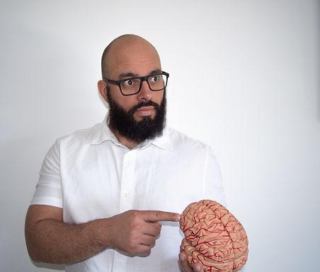 Esquecimento e falta de memória da Covid-19 não querem dizer que seja Alzheimer