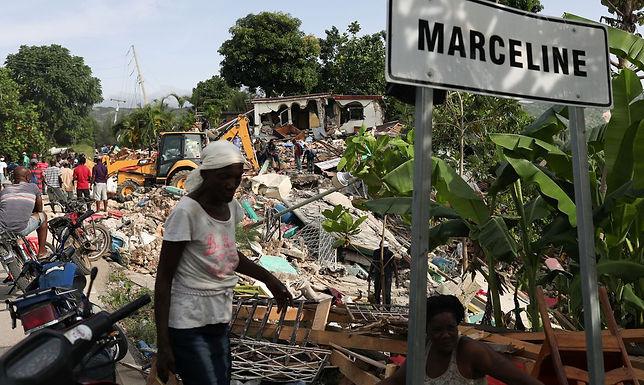 Papa envia recursos financeiros ao Haiti, Bangladesh e Vietnã