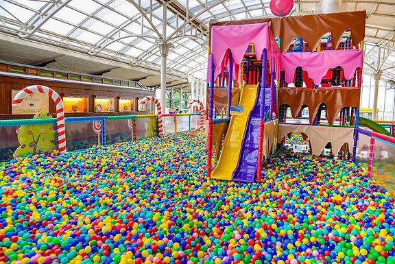 Novais, Elisiário e Itajobi organizam atividades recreativas em comemoração ao Dia das Crianças