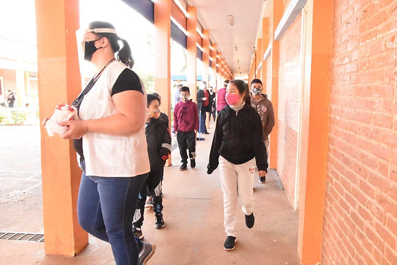 Protocolos de segurança rígidos reduzem transmissão da Covid em escolas para 10%