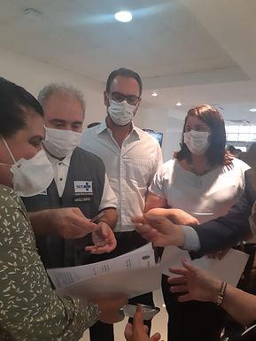 Em Rio Preto, ministro da Saúde recebe novo pedido para habilitar Radioterapia do HCC