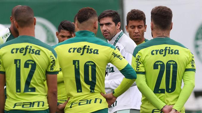 Contra Atlético-GO, Palmeiras busca igualar recorde com Abel Ferreira