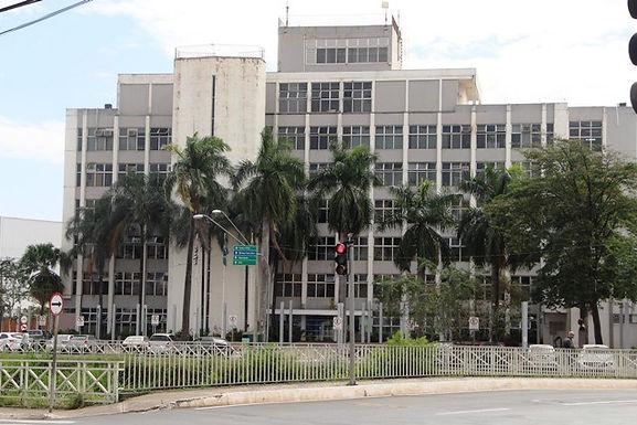 Padre Osvaldo assina convênios de R$ 424 mil com cinco instituições da área educacional