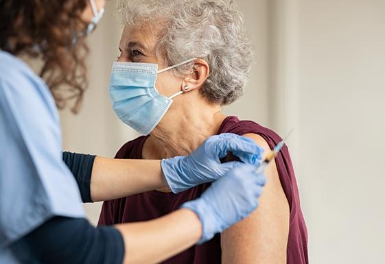 22 mil idosos de Catanduva vão receber 3ª dose contra a Covid-19