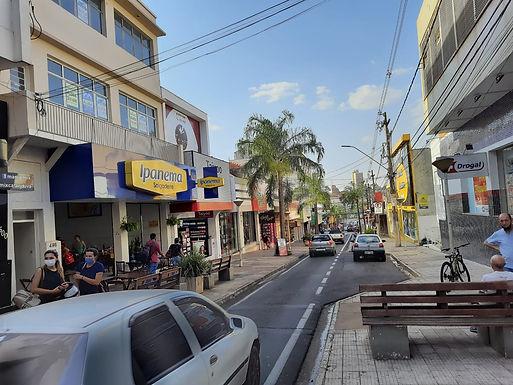 Prefeitura suspende restrições de dias e horários, mas mantém limite de 80% de ocupação