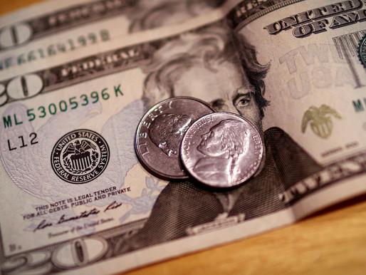 Dólar sobe 0,6% e fecha a R$ 5,11 com ajuste no exterior