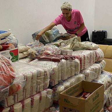 Bax Catanduva arrecada quatro toneladas de alimentos e vence o Jogo das Estrelas