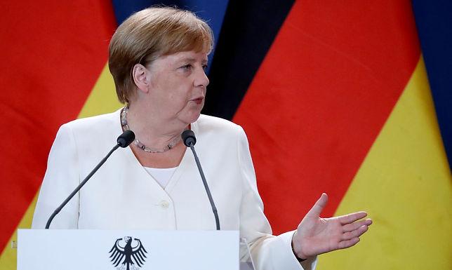 Símbolo da moderação, era Merkel se encerra com eleição apertada