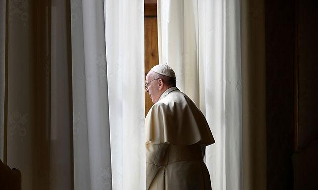 Papa manifesta tristeza por abusos de menores pela Igreja na França