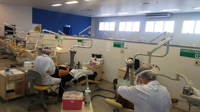 Imes promove curso de extensão em Endodontia, prótese e dentística