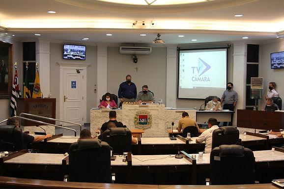 Vereadores aprovam contas de Macchione e projeto para regularizar cargos comissionados