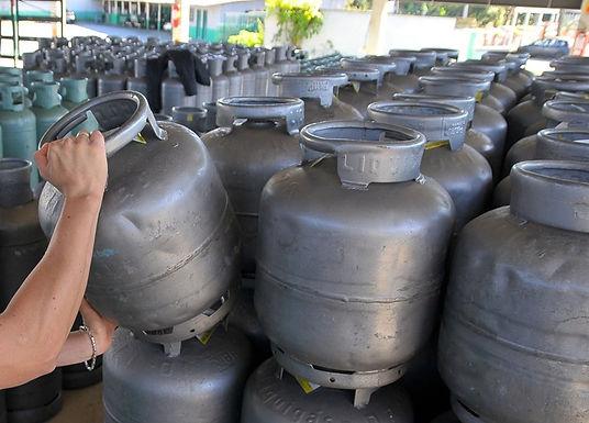 Com novo reajuste, gás de cozinha chega a R$ 105 em revendedores de Catanduva