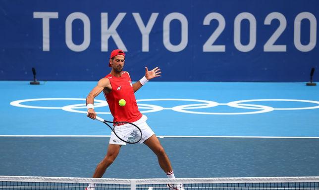 Djokovic chega a Tóquio em busca do ouro para completar Golden Slam