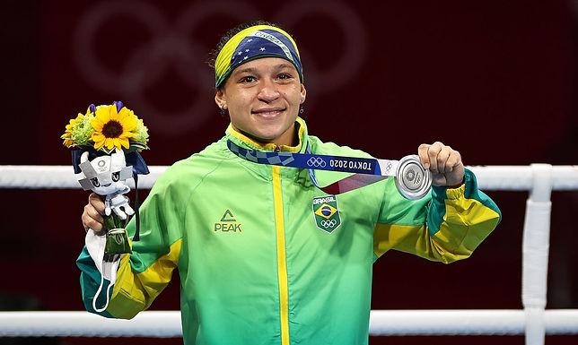Bia Ferreira conquista prata no boxe