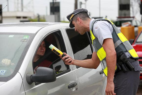 42% das mortes por suspeita de embriaguez ao volante acontecem aos finais de semana à noite