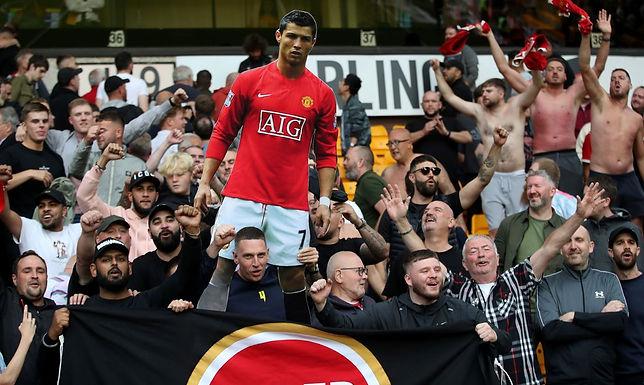 Cristiano Ronaldo recebe de volta a camisa 7 do Manchester United