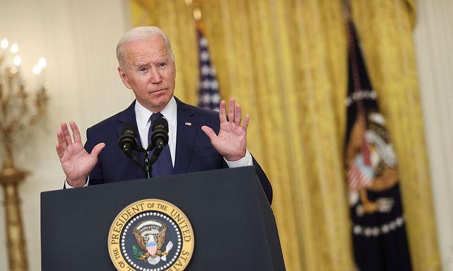 Novo plano de Biden exigirá vacinas contra Covid-19 ou testes