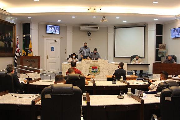 Vereadores aprovam projetos de lei e derrubam veto do Executivo