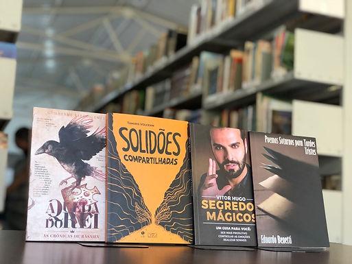 Coletivo Dell'arte doa obras inéditas para acervo da Biblioteca Municipal
