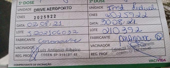 Catanduvense é vacinada com lote da CoronaVac interditado pela Anvisa