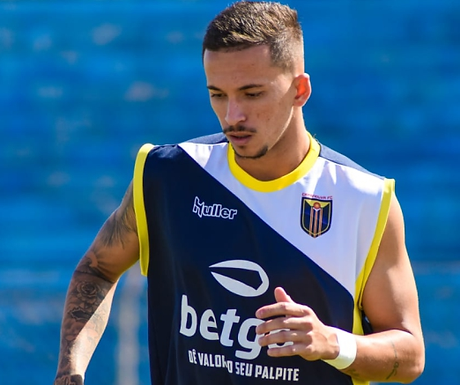 """""""Acredito que podemos fazer uma boa partida novamente"""", diz capitão Lucas Moraes"""