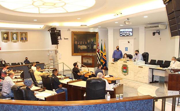 Vereadores adiam votação das contas de Macchione de 2018 e dois projetos são aprovados
