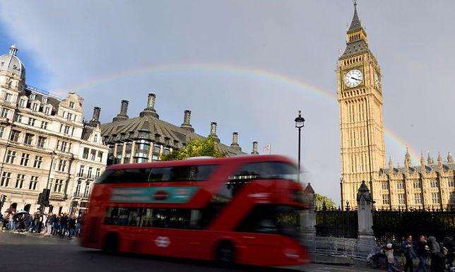 Reino Unido alivia regras para viajantes de países como Brasil e Índia