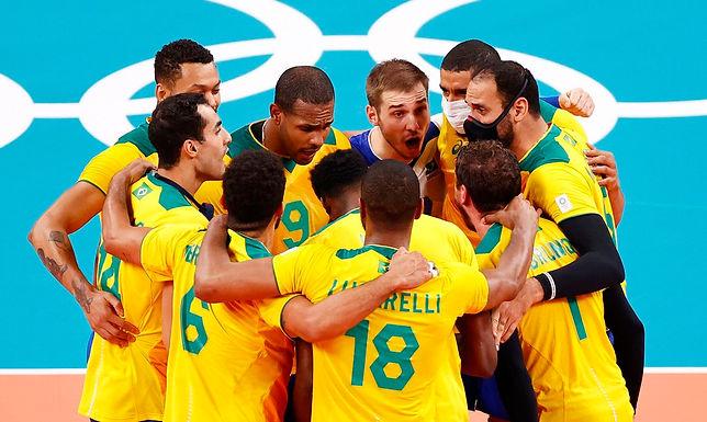 Brasil vence Argentina de virada, em duelo emocionante