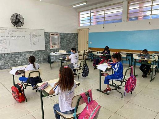 Prefeitura confirma caso positivo de Covid-19 em professora da escola Oliveira Barreto