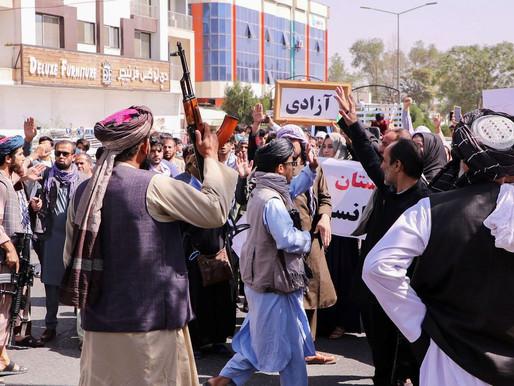 Talibã nomeia comandantes radicais para postos-chave no Afeganistão