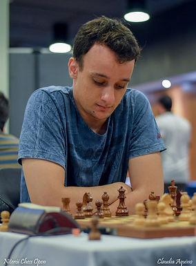 Mestre de xadrez de Catanduva ensina técnicas em evento virtual