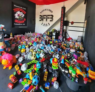 Motorcycle Bab Influence arrecada brinquedos para crianças carentes