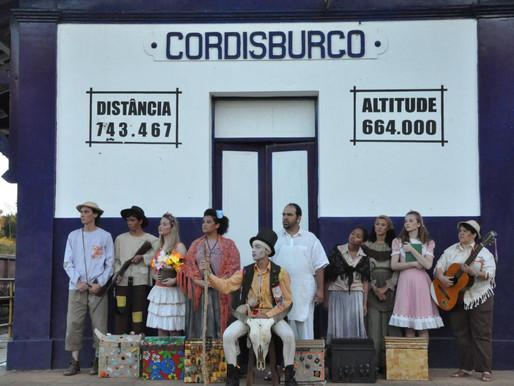Espetáculo 'De Sertão a Sertão' do Grupo Flor de Chita estreia nesta terça-feira