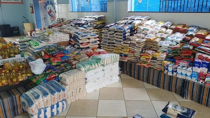 Escola particular de Catanduva arrecada duas toneladas de alimentos para a AVCC