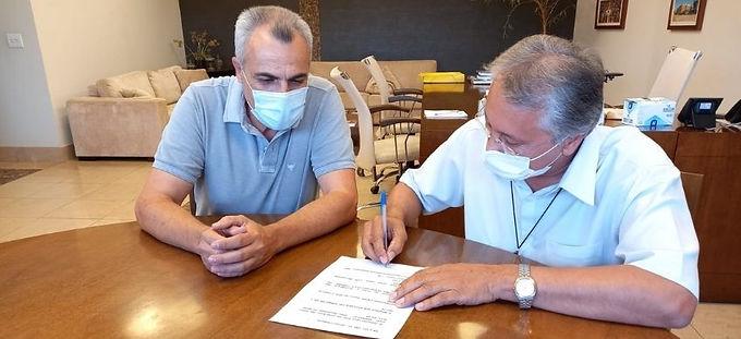 Padre Osvaldo quer alterar Prêmio Assiduidade e Simcat questiona pagamentos pendentes