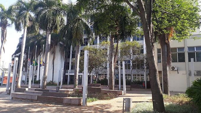 Prefeitura 'descarta' servidores concursados e terceiriza projetos de arquitetura em licitação