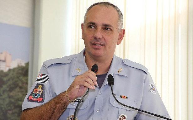 Comandante de batalhão da PM é afastado por convocar manifestação